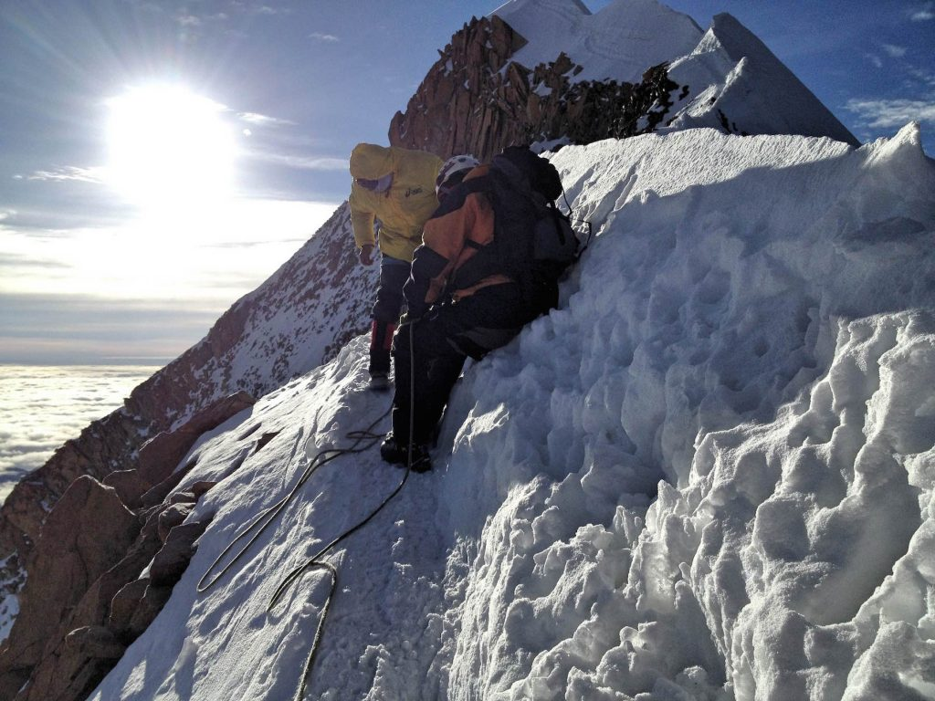 Huayna_Potosi_ridge_ascent_Lochner