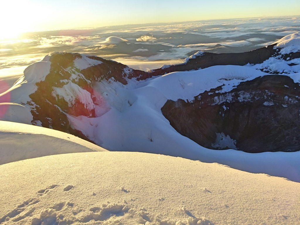 06-cotopaxi-ecuador-besteigung-krater-vulkan
