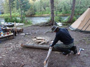 21_Camp_feuerstelle_kajak_russland_fluss_wildnis_outdoor_wandern